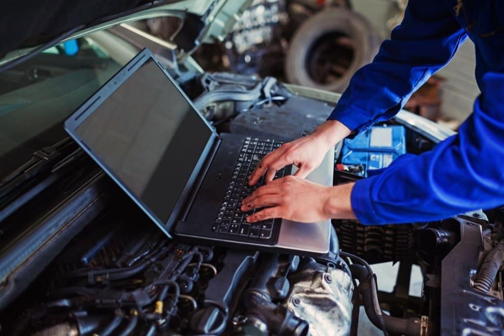 Диагностика двигателя Митсубиси в Екатеринбурге
