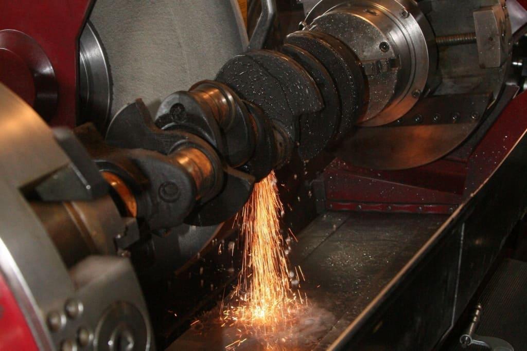 Ремонт коленчатого вала (коленвала) двигателя Митсубиси в Екатеринбурге