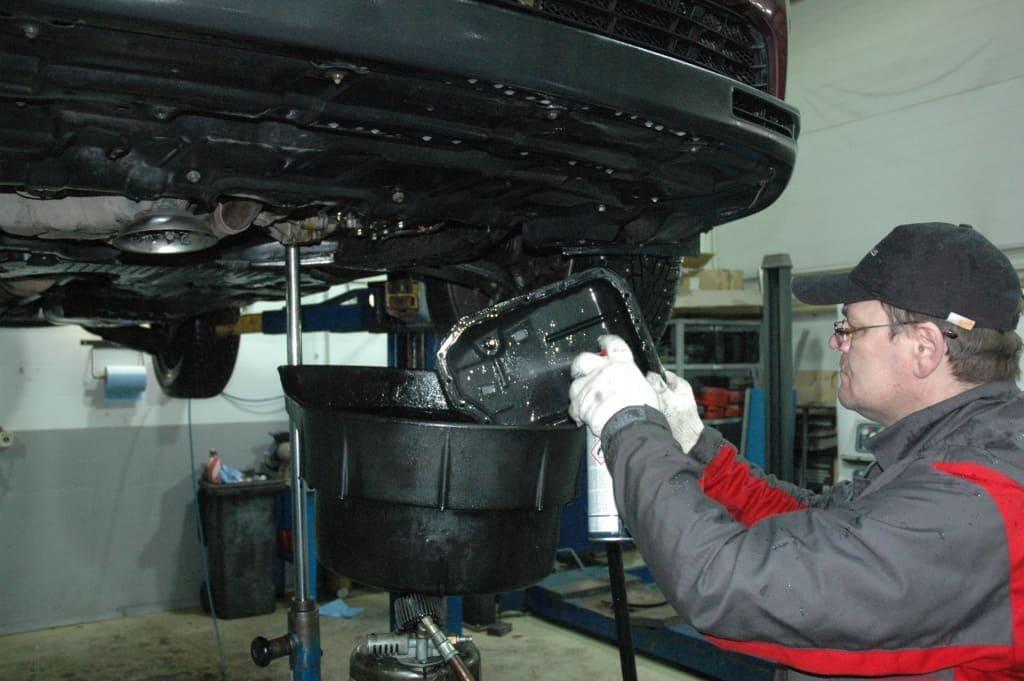 Техническое обслуживание двигателя Митсубиси в Екатеринбурге