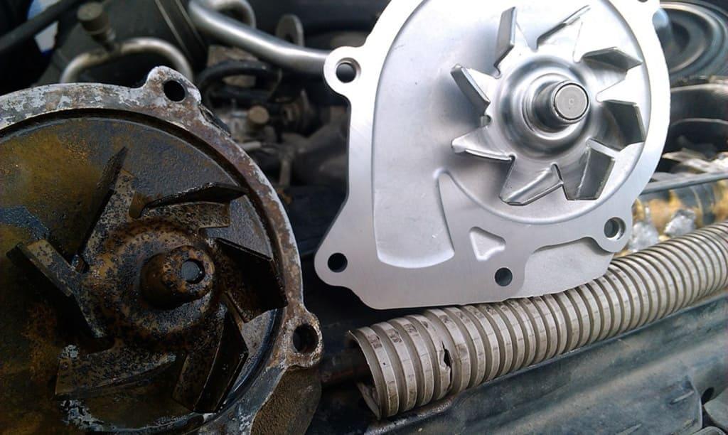 Замена помпы двигателя Митсубиси в Екатеринбурге